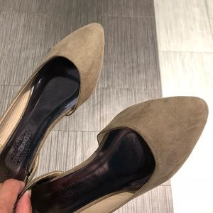 house of she Shoes - NWT - Taupe Flat Sandals - Perfect for Spring